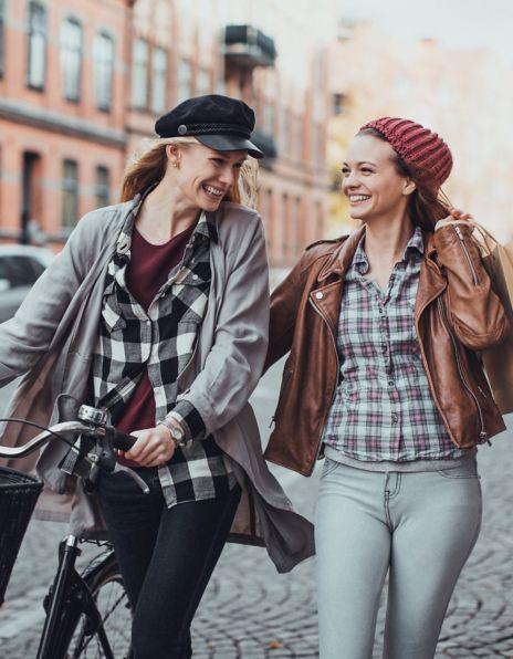 Jenter med sykkel