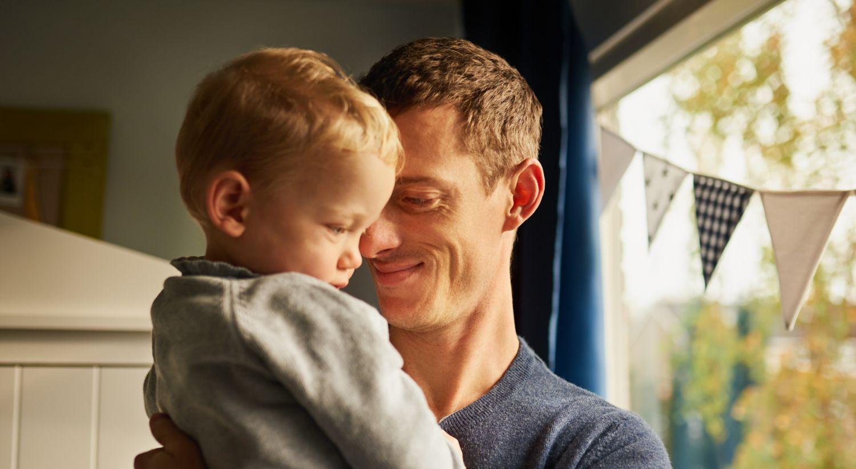 Bilde av far og sønn.
